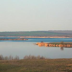 разлив реки весной