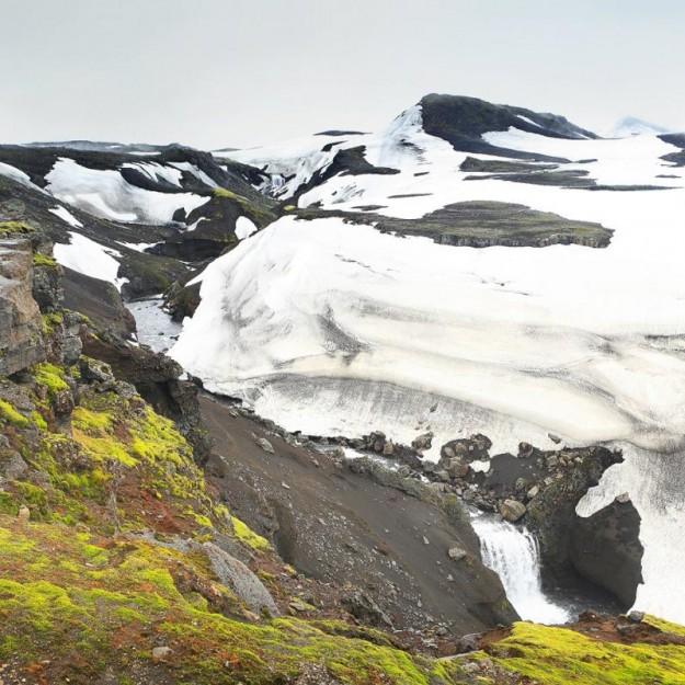 снег в Исландии