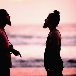 два бородатых индуса