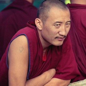 Тату на руке тибетского монаха. Фото Люся Маратканова