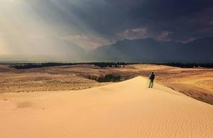 закатные лучи в чарских песках Фото Люси Мараткановой