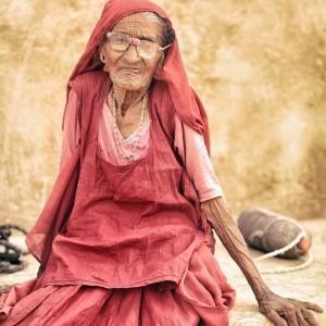 портрет старой индианки в розовом. Фото Люся Маратканова