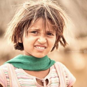 индийская девочка в пустыне Тар