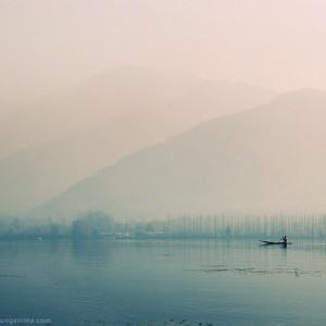 dal lake in srinagar in india