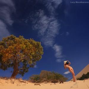 naked woman in desert in vietnam