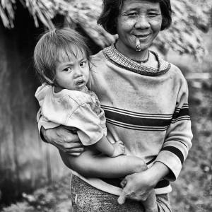 мама с ребенком в камбодже