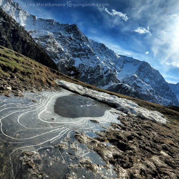 triund pass in macleod ganj in india