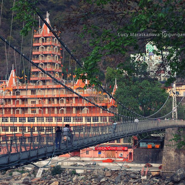 bridge in rishikesh in india