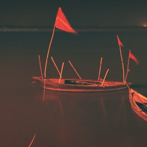 boats on the coast of varanasi in india