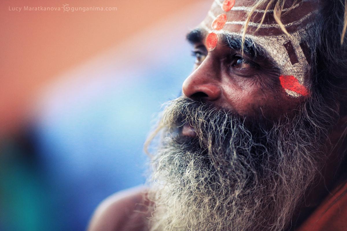 святой садху в варанаси в индии