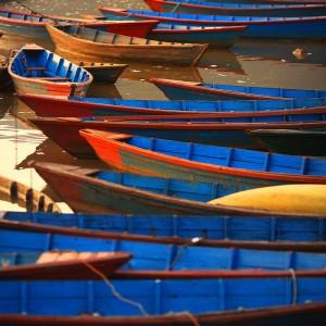 лодки в похаре в непале