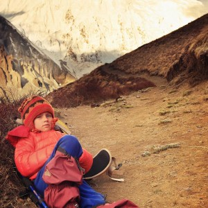girl in trekking around annapurna