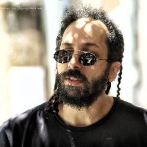 Еврей бразилец в черных очках в сан пауло в бразилии
