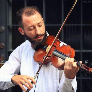 скрипач за игрой в бразилии в сан пауло