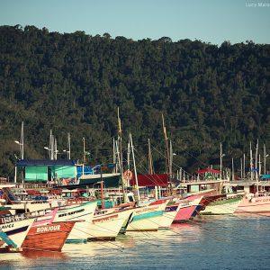 корабли в пристани в парати в бразилии