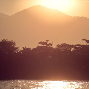 закатное солнце в парати в бразилии