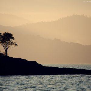 виды парати с моря на закате в бразилии