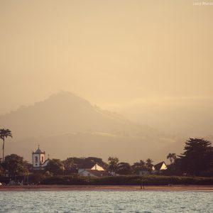 берег парати с моря в бразилии