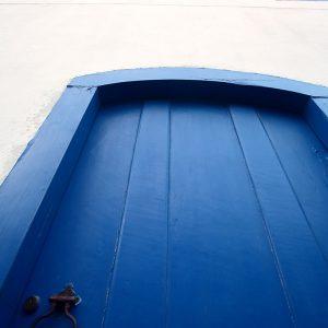 двери в историческом центре парати в бразилии