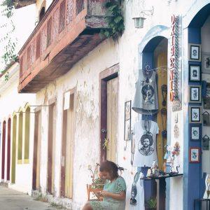 сувенирные магазины в парати на улицах в бразилии